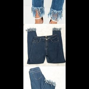 2 for 20$ High waisted/ frayed/stretch jeans 🔥🔥